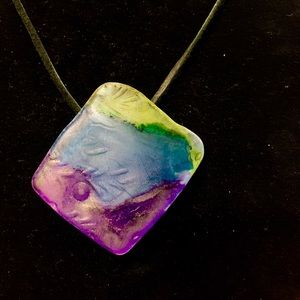 Jewelry - Beautiful one of a kind stained sea glass necklace